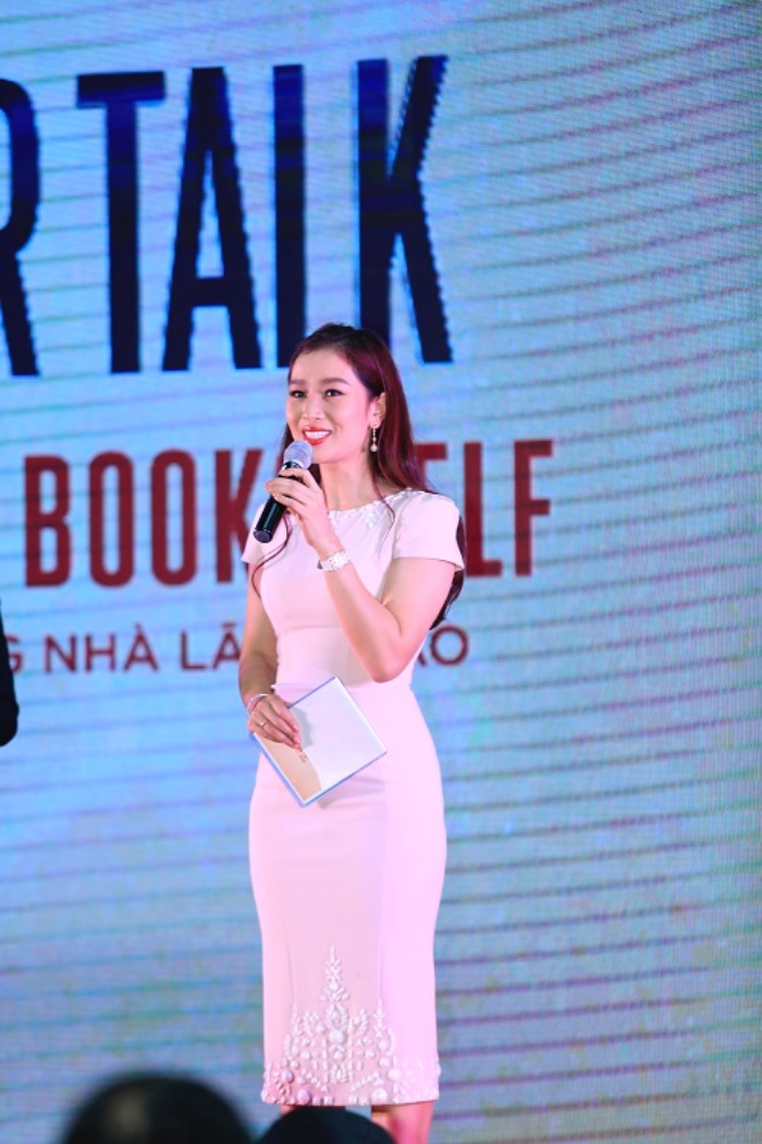 The Chief Producer Of Top 100 International Business Style Event Shared A Speech At Leader Talk Leaders Bookshelf